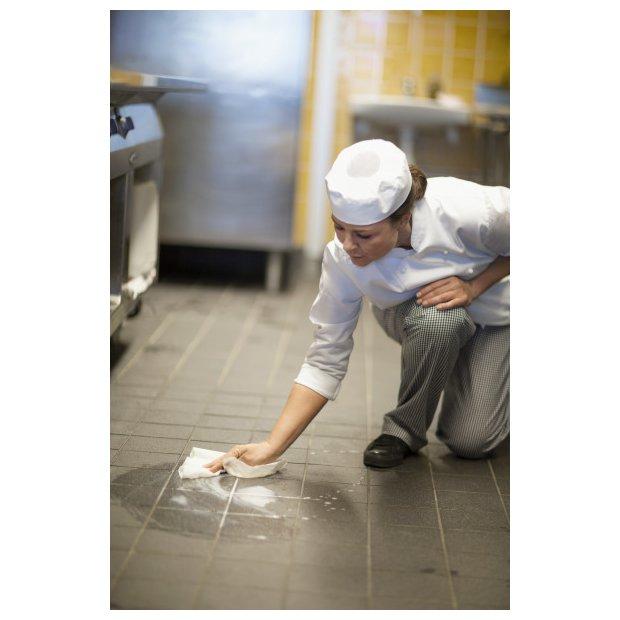 tork-czysciwo-biale-papierowe-w-uzyciu-w-kuchni-celuloza